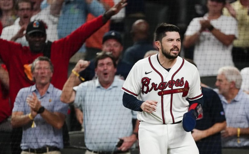 Braves sweep Philly for fourth-straight NL Easttitle